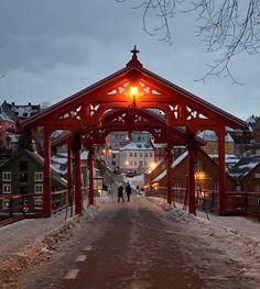 Gamle Bybro (Old Town Bridge) in Trondheim, Norway | by Wolfgang Weninger