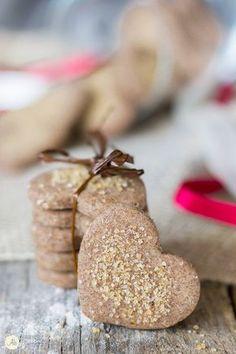 I dolci in tavola sono come i concerti barocchi nella storia della musica: un'arte sottile. Isabel Allende Sweets Recipes, Raw Food Recipes, Cookie Recipes, Tortillas Veganas, Biscotti Cookies, Food Obsession, Pastry And Bakery, Italian Cookies, Cheesecake