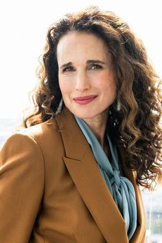 Andie MacDowell on Gender Inequality in Hollywood & the Advice She's Giving Her Daughters - Coveteur Andie Macdowell, Beautiful Female Celebrities, Girl Celebrities, Hair Icon, Gender Inequality, Hairstyles Over 50, Crazy Hair, Organic Beauty, Woman Face