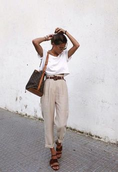 minimal chic summer outfit ideas minimal c. - minimal chic summer outfit ideas minimal chic summer outfit i - Looks Street Style, Looks Style, Casual Street Style, White Tee Outfit, Linen Pants Outfit, Crop Pants Outfit, White Top Outfit Summer, Beige Shorts Outfit, Brown Belt Outfit