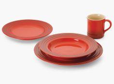 Le Creuset.  Diseños innovadores y calidad excepcional en la creación de utensilios de cocina.