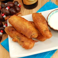 Sweet Pea's Kitchen » Beer Battered Fried Pickles. Personally this looks disgusting, but I can think of quite a few people I could make this for.