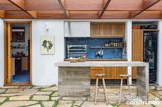 Revista Arquitetura e Construção - Criação de pátio interno trouxe luz ao…
