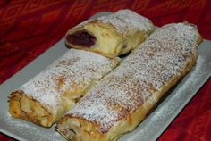 Retete Culinare - Strudel cu branza si visine Romanian Food, Romanian Recipes, Pastry And Bakery, Strudel, Cata, Sweet Memories, Something Sweet, Cake Cookies, Pastries