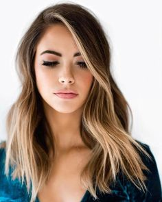 The Money Piece is The New Hair Trend That Will Upgrade Your Balayage – Trend Today! Easy Hairstyles For Long Hair, Hairstyles For Round Faces, Cool Hairstyles, Hairstyles Pictures, Layered Hairstyles, Woman Hairstyles, Hair For Round Faces, Hairstyles Medium Hair, Hairstyle Ideas