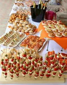 Healthy people 2020 goals for the elderly home jobs nyc Party Food Buffet, Party Food Platters, Birthday Brunch, Brunch Party, Fingerfood Party, Food Carving, Snacks Für Party, Food Goals, Aesthetic Food