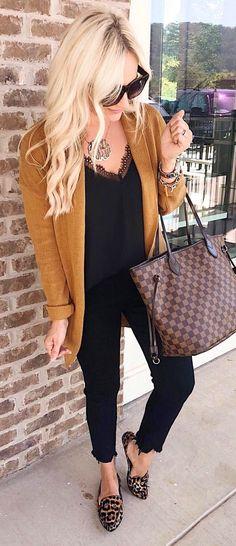 fc8e388e3cf  summer  outfits brown Louis Vuitton leather tote bag. Black Jeans Women