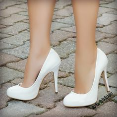 aman kirimden isimden beslenin e Bridal Shoes, Wedding Shoes, Dress Shoes, Shoes Heels, Pumps, Heeled Boots, Shoe Boots, Walking In Heels, Fashion Heels