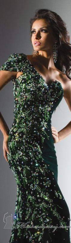 Die 240 besten Bilder von Greens | Kleider, Grünes kleid und