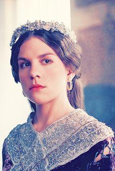 Princess Gisla of France Vikings Vikings Tv Series, Vikings Tv Show, Ragnar Lothbrok, Lagertha, Valhalla Viking, Gothic Crown, King Ragnar, Viking Series, Films