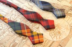 This year I intend to learn how. Batwing Bows at Drake's in London. Bowties are cool. Tartan Fashion, Mens Fashion, Tie And Pocket Square, Pocket Squares, Argyle Socks, Preppy Men, Wingtip Shoes, Androgynous Fashion, Sharp Dressed Man
