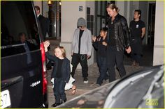 Celeb Diary: Angelina Jolie & Brad Pitt @ Kuchi Restaurant in Berlin, Germania