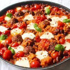Gehaktballetjes uit de oven met orzo - Lot of Taste Feel Good Food, Love Food, Happy Foods, Greek Recipes, How To Cook Pasta, Diy Food, Quick Meals, Clean Eating, Food Porn