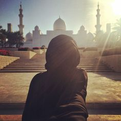 Image uploaded by Apple Blossom. Find images and videos about islam, hijab and muslim on We Heart It - the app to get lost in what you love. Hijab Niqab, Hijab Chic, Mode Hijab, Hijab Outfit, Muslim Girls, Muslim Couples, Muslim Women, Hijabi Girl, Girl Hijab