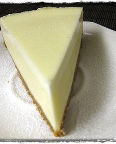 Herkullisin juustokakku, päälle vielä kerros Maizenalla tehtyä paksua mustikkakiisseliä. Cheesecakes, No Bake Cake, Manhattan, Philadelphia, Baking, Desserts, Recipes, Food, Postres