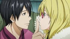 Alex_intenta_besar_a_Himuro