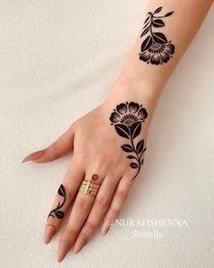 Pretty Henna Designs, Modern Henna Designs, Henna Tattoo Designs Simple, Floral Henna Designs, Basic Mehndi Designs, Finger Henna Designs, Back Hand Mehndi Designs, Henna Art Designs, Mehndi Designs For Beginners