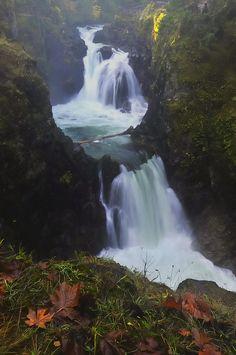 ✯ Qualicum Falls - British Columbia, Canada