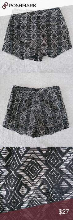 "Black and grey print skort Black and grey diamond print skort by the Fifth Label. Size small. Zipper closure. Approx 30"" waist and 14"" in total length. Only worn once, like new. The Fifth Label Shorts Skorts"