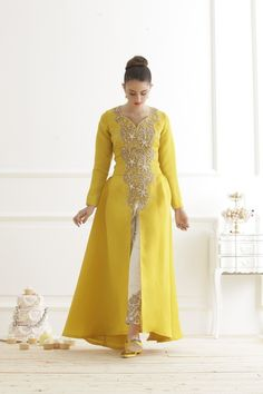 Yellow Abaya - that's a bright and happy looking outfit