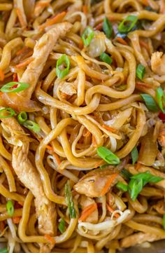 Chicken Lo Mein with chewy Chinese egg noodles, bean sprouts, chicken, bell peppers and carrots in under 30 minutes like your favorite Chinese takeout restaurant. Chinese Egg, Chinese Food, Healthy Chinese, Easy Chinese Recipes, Asian Recipes, Lo Mien Recipes, Asian Foods, Entree Recipes, Dinner Recipes