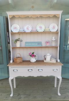Oak Dresser, Spare Room, Paint Furniture, Entryway Tables, Living Room Decor, Upcycle, Neutral, Projects To Try, Beans
