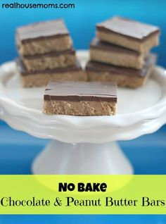 NO BAKE Chocolate & Peanut Butter Bars | Real Housemoms | Perfect for hot summer days when you can't turn that oven on.