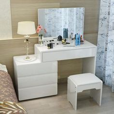 27 Best Makeup Vanities & Cases for Stylish Bedroom <br> Bedroom Bed Design, Home Room Design, Bedroom Furniture Design, Small Room Bedroom, Home Decor Bedroom, Rangement Makeup, Dressing Table Design, Stylish Bedroom, Decorating Your Home