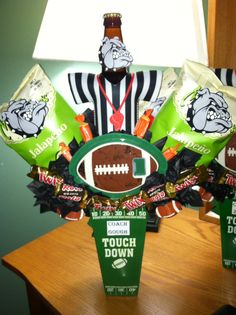 Thank You Football Coach Gift - Snacks and Gift Card Bouquet Football Treat Bags, Football Gift Baskets, Football Coach Gifts, Football Crafts, Soccer Gifts, Sports Gifts, Team Gifts, Football Coaches, Gift Card Bouquet