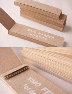 Tarjetas de visita. Estampadas en cartón 100% reciclado.