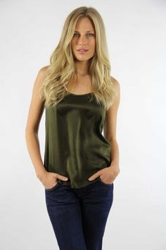Top Seda, silk top, green top, verde, System Action, shop online, lookbook, model, street Style, SS2015, PV2015, new collection, details, beautiful, clothes, ropa.