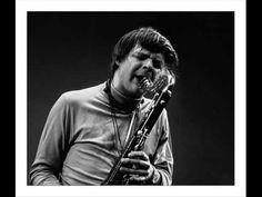 Barry Altschul es un baterista de jazz que nació en Nueva York el 6 de enero de 1943.  En los años 70, Barry Altschul fue el baterista de Circle - un grupo que también contaba entre sus miembros con Chick Corea, Dave Holland y Anthony Braxton.