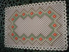 Chicken Scratch Patterns, Chicken Scratch Embroidery, Embroidery Stitches, Embroidery Designs, Bordado Tipo Chicken Scratch, Diy And Crafts, Arts And Crafts, Gingham Fabric, Bargello