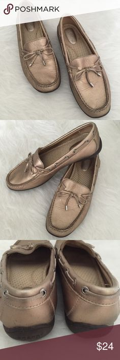 Banana SaleSperry Top-Sider Gold Metallic Shoe So chic and perfect for summertime. Pair with skimmers or jeans. Very versatile color. Pre worn in very good condition. No Trades. TB1184. Sperry Top-Sider Shoes Flats & Loafers
