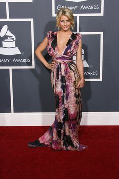 Country stars shine at the Grammy Awards