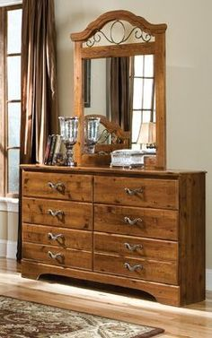 Hester Heights Natural Wood Dresser & Mirror