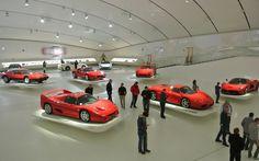 """Museu Ferrari Modena - """"Modena: terra de Ferrari, Pavarotti e muito mais"""" by @milaonasmaos"""
