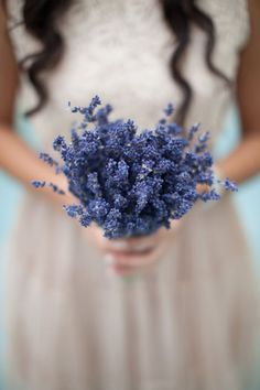 Arreglo floral a base de lavanda #ideas #decoracion #flores #decorarconflores
