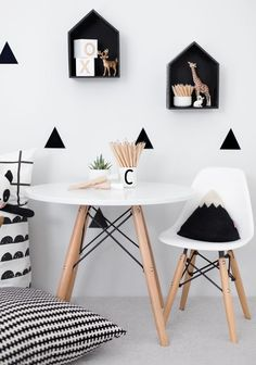 Photo Jobs At Home - Stickers noir blanc Mini chaises EAMES Petite table pour jouer / dessiner - If you want to enjoy the good life: making money in the comfort of your own home with just your camera and laptop, then this is for you! Kids Table And Chairs, Kid Table, White Kids Room, Black And White Boys Bedroom, White Rooms, Deco Kids, Kids Room Design, Kids Decor, Decor Ideas