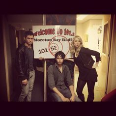 101.5FM radio interview.. duck face!