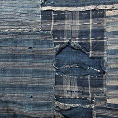 """Littéralement, boro signifie """"guenille"""", """"haillons"""". Ce terme se réfère aux textiles fait de lambeaux de vêtements, rideaux ou encore de linges de maison, essentiellement en coton ou chanvre et teint en indigo. C'est une technique ancienne, datant au moins des années 1600."""