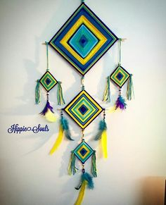 Cute Crafts, Yarn Crafts, Diy And Crafts, Arts And Crafts, Paper Crafts, God's Eye Craft, Dream Catcher Art, Crochet Wall Hangings, Fabric Origami