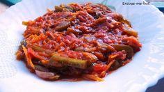 Excuse me but...: Südafrikanisches Chakalaka - scharf - Peperoni, Paprika, Karotte, Tomaten, Tomaten aus der Dose, Zwiebel - http://excusemebutitsmylife.blogspot.de/2014/02/sudafrikanisches-chakalaka.html