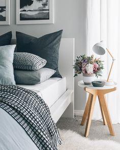 16 Relaxing Scandinavian Bedroom Design Ideas - Best Home Remodel Modern Bedroom Decor, Scandinavian Bedroom, Cozy Bedroom, Dream Bedroom, Bedroom Wall, Master Bedroom, Stylish Bedroom, Bedroom Ideas, Bedroom Lamps