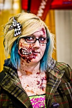 Zombie Makeup (Ripped open mouth)