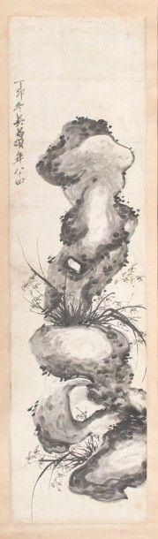 """Wu SHANG-SHUO (1844-1927) """"Orchidées et rochers"""". Rouleau d'encre sur papier. Inscriptions et deux cachets. Daté de l'hiver de l'année DingMao (1927). - Var Enchères - Arnaud Yvos - 04/07/2015"""