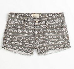 I love patterned shorts