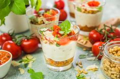 Throwing Spring brunch for a special occasion? Well, I have a great idea for you! Effortless, yet chic this colorful make-your-own-parfait bar is easy to put together and is sure to impress. Quick And Easy Breakfast, Sweet Breakfast, How To Make Breakfast, Healthy Breakfast Recipes, Brunch Recipes, Brunch Ideas, Breakfast Ideas, Egg Free Recipes, Easter Recipes