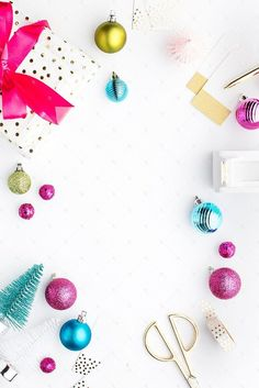 Promote your holiday shop sales just like J Crew, Banana Republic, West Elm, Anthropologie and all of your favorite stores do with gorgeous holiday styled stock photography by the SC Stockshop. Available for a limited time only. Christmas Flatlay, Seasonal Image, Holiday Images, Christmas Wallpaper, Art Plastique, Holiday Fashion, Iphone Wallpaper, Seasons, West Elm