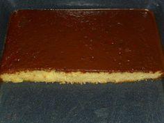Das perfekte schneller Eierlikör Blechkuchen mit Schokoladeguß-Rezept mit einfacher Schritt-für-Schritt-Anleitung: Mehl, Stärke, Backpulver…